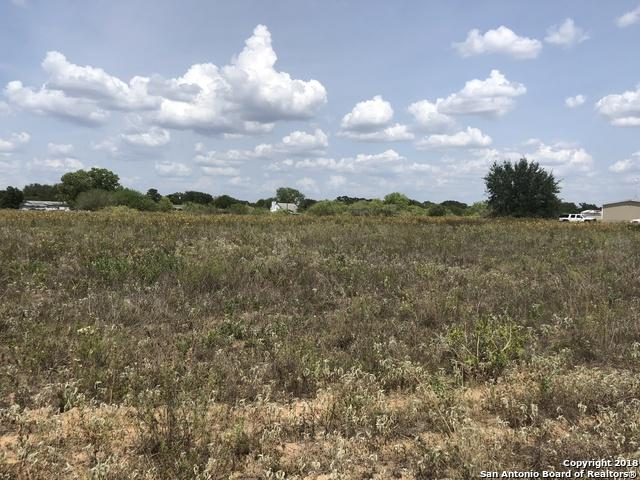 8906 Us Highway 181 N, Floresville, TX 78114 (MLS #1330236) :: Tami Price Properties Group
