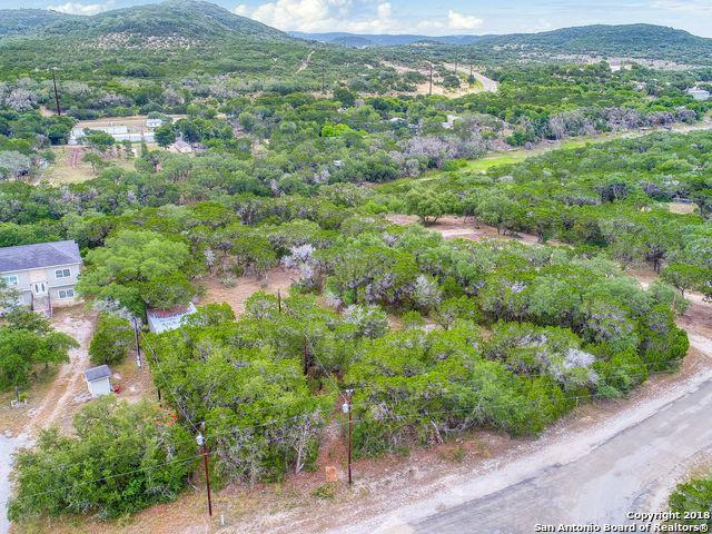 LOT 6 & 7 Harbour Way, Lakehills, TX 78003 (MLS #1330820) :: The Gradiz Group