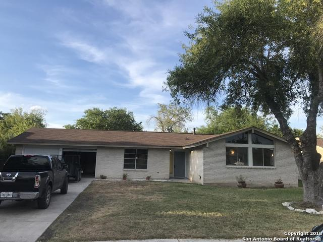 231 Meadow Glen Dr, San Antonio, TX 78227 (MLS #1330998) :: The Castillo Group