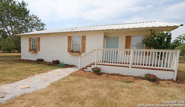 1205 County Road 6610, Devine, TX 78016 (MLS #1331732) :: Exquisite Properties, LLC
