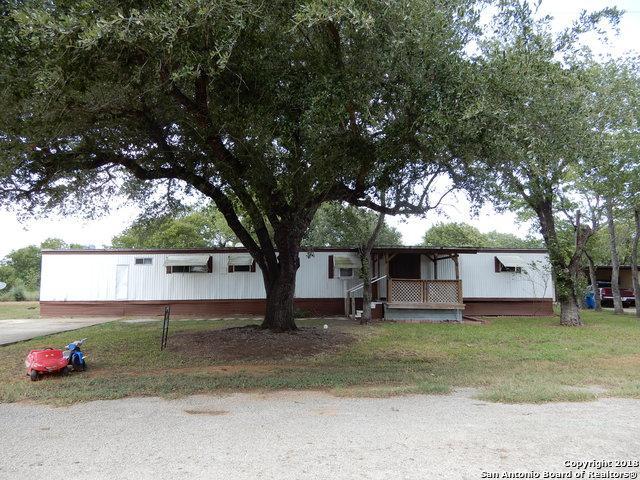 1906 Frick St, Floresville, TX 78114 (MLS #1332395) :: NewHomePrograms.com LLC