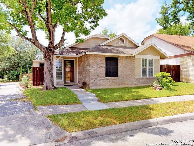 826 Meadow Arbor Ln, Universal City, TX 78148 (MLS #1332816) :: ForSaleSanAntonioHomes.com