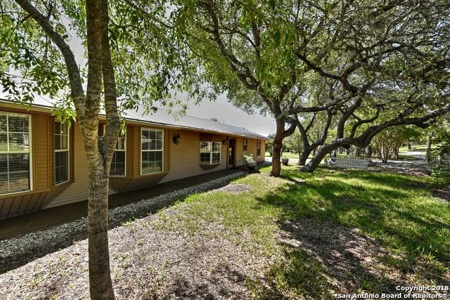 5565 Ranch Road 32, Blanco, TX 78606 (MLS #1333475) :: Vivid Realty