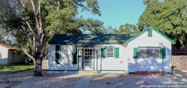 2508 Avenue I, Hondo, TX 78861 (MLS #1333684) :: The Castillo Group