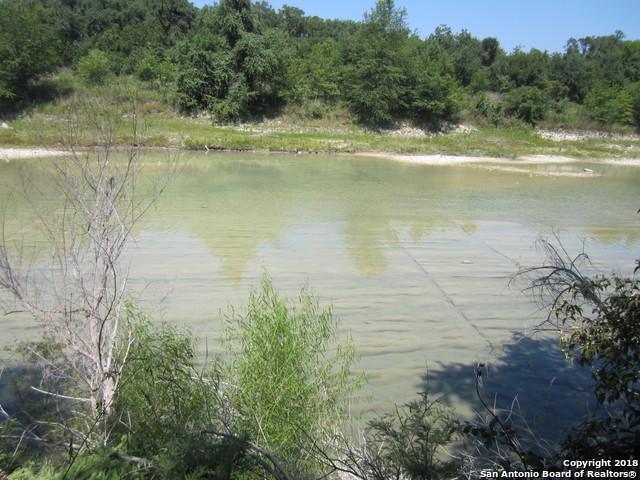 200 Lake Rd, Pipe Creek, TX 78063 (MLS #1333864) :: Alexis Weigand Real Estate Group