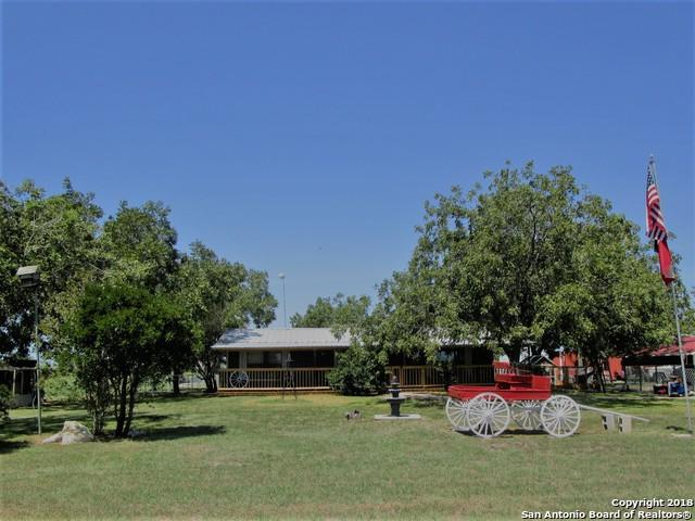 355 E County Road 678, Natalia, TX 78059 (MLS #1334229) :: Alexis Weigand Real Estate Group