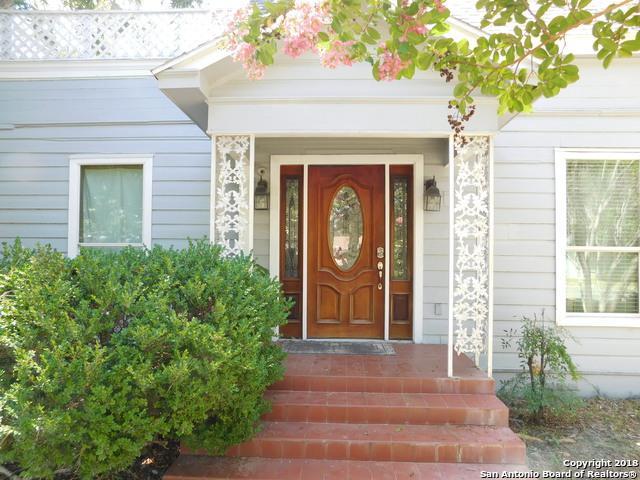 820 E Colorado, Pearsall, TX 78061 (MLS #1334328) :: NewHomePrograms.com LLC