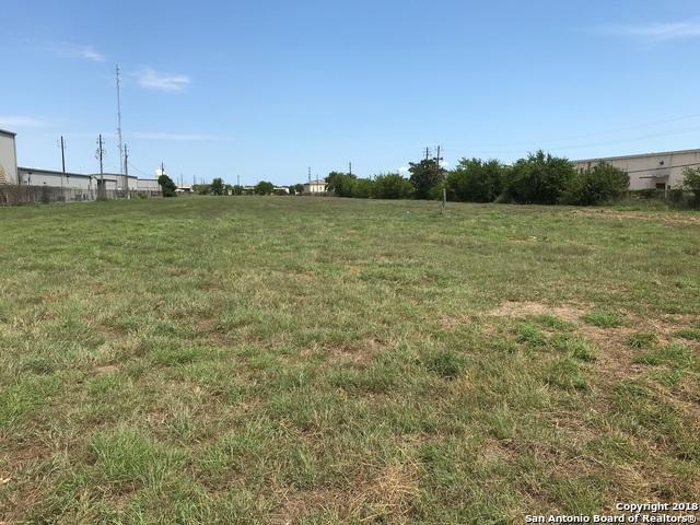 104 E Crestwood Dr, Victoria, TX 77901 (MLS #1334427) :: Alexis Weigand Real Estate Group