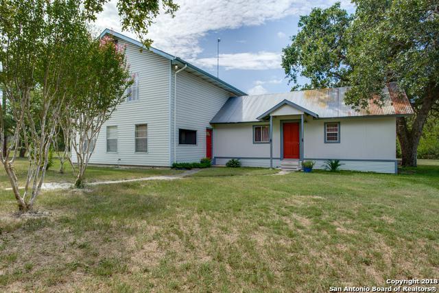 12146 Sulphur Springs Rd, Adkins, TX 78101 (MLS #1334706) :: The Suzanne Kuntz Real Estate Team