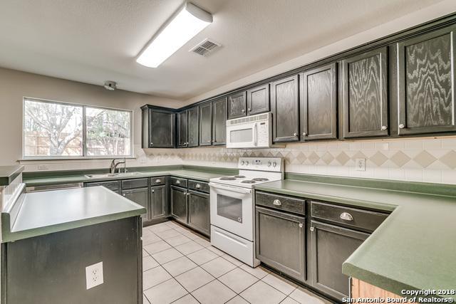 6107 Oakwood Trail, San Antonio, TX 78249 (MLS #1334779) :: Exquisite Properties, LLC