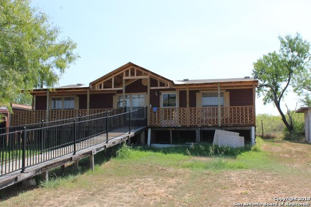 3193 County Road 107, Floresville, TX 78114 (MLS #1335077) :: Alexis Weigand Real Estate Group
