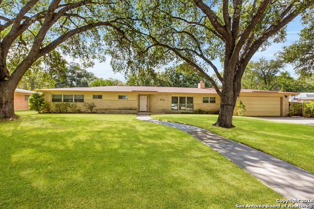 208 Carolwood Dr, Castle Hills, TX 78213 (MLS #1336352) :: Ultimate Real Estate Services