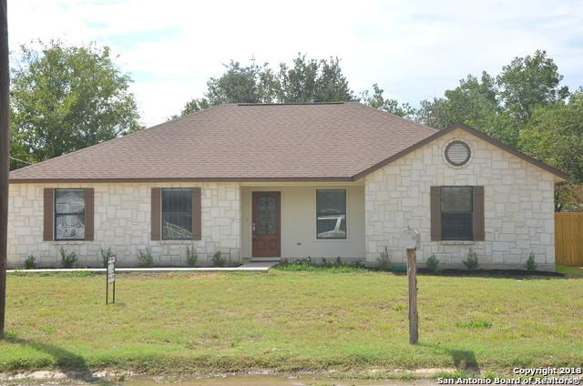 703 N Windy Knoll Dr, Devine, TX 78016 (MLS #1336574) :: Tami Price Properties Group