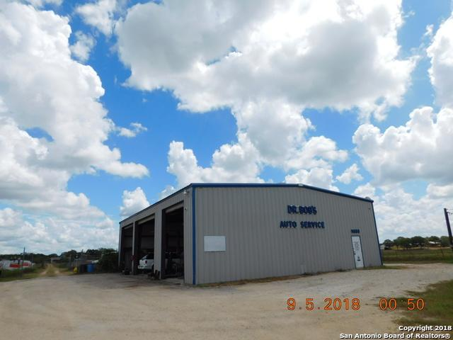 9880 Us Highway 87 W, La Vernia, TX 78121 (MLS #1336824) :: Alexis Weigand Real Estate Group