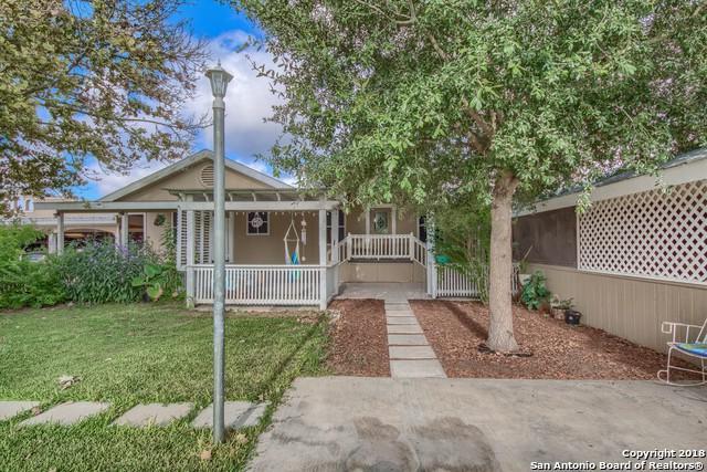 6975 Raintree Grv, Elmendorf, TX 78112 (MLS #1336914) :: Vivid Realty