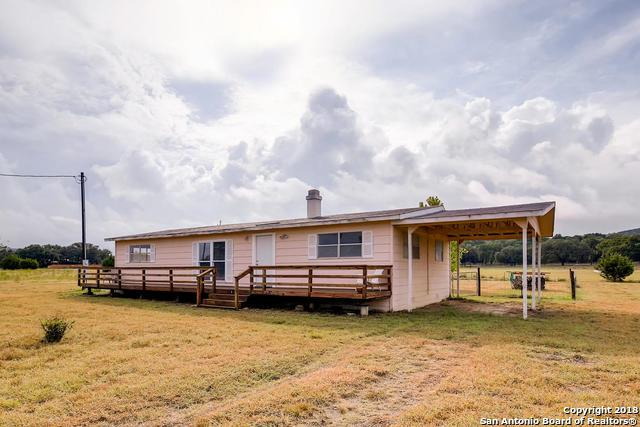 1484 Red Bluff Rd, Pipe Creek, TX 78063 (MLS #1336986) :: Alexis Weigand Real Estate Group