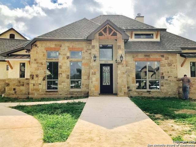 1209 Magnum, New Braunfels, TX 78132 (MLS #1337006) :: Berkshire Hathaway HomeServices Don Johnson, REALTORS®