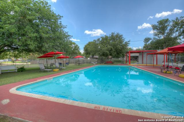 400 E 4th St, Nixon, TX 78140 (MLS #1337075) :: Alexis Weigand Real Estate Group
