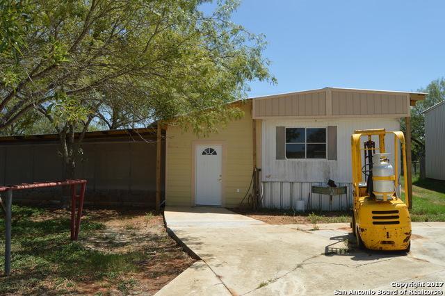 1375 Zion Hill Rd, Seguin, TX 78155 (MLS #1337797) :: ForSaleSanAntonioHomes.com