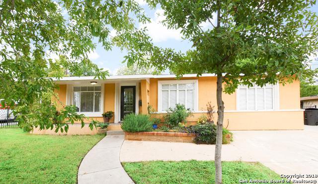 403 E Glenview Dr, San Antonio, TX 78201 (MLS #1338050) :: Alexis Weigand Real Estate Group