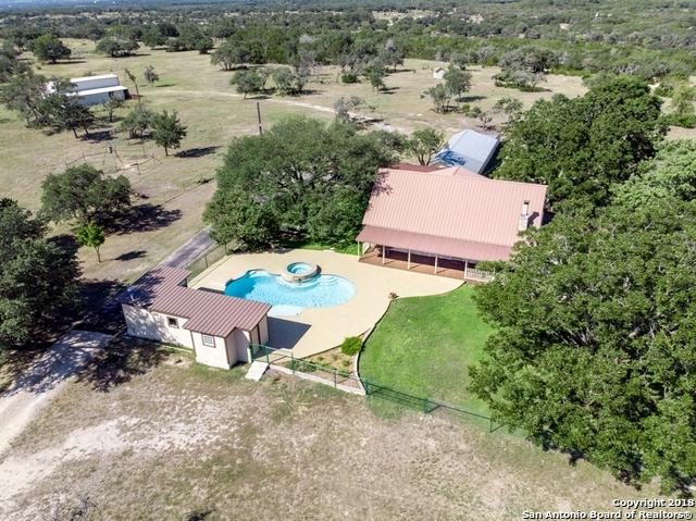 3320 Privilege Creek Rd, Pipe Creek, TX 78063 (MLS #1338055) :: Alexis Weigand Real Estate Group