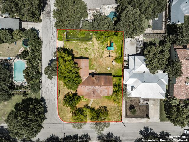 701 Garraty Rd, Terrell Hills, TX 78209 (MLS #1338098) :: Alexis Weigand Real Estate Group