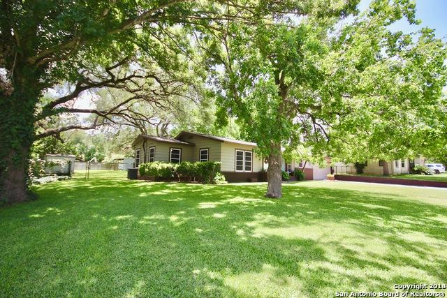 1609 7TH ST, Floresville, TX 78114 (MLS #1338218) :: Ultimate Real Estate Services