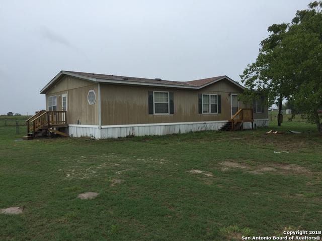 108 Oak View Dr, La Vernia, TX 78121 (MLS #1338812) :: Vivid Realty