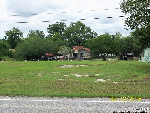 423 E State Highway 72, Kenedy, TX 78119 (MLS #1338984) :: The Castillo Group