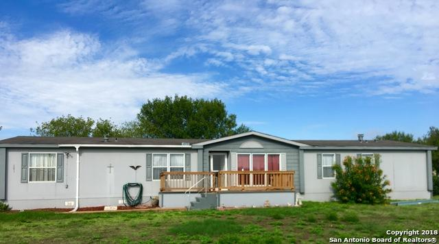 201 Bluefield, Pleasanton, TX 78064 (MLS #1339106) :: NewHomePrograms.com LLC
