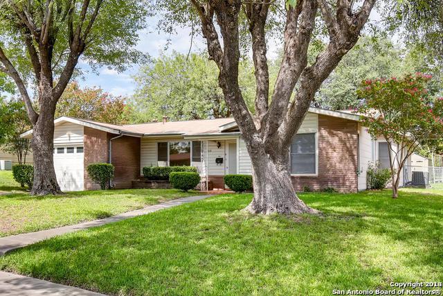 319 E Glenview Dr, San Antonio, TX 78201 (MLS #1339204) :: NewHomePrograms.com LLC