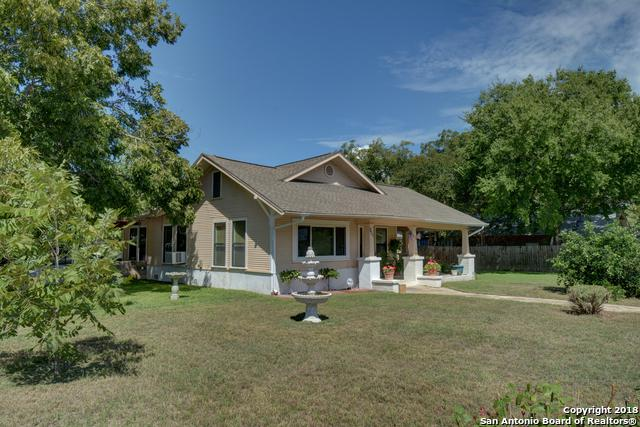 801 E Austin St, Luling, TX 78648 (MLS #1339310) :: Tom White Group