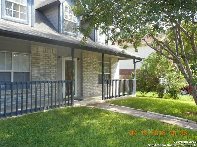 11407 Bear Paw Path, San Antonio, TX 78245 (MLS #1339404) :: Erin Caraway Group