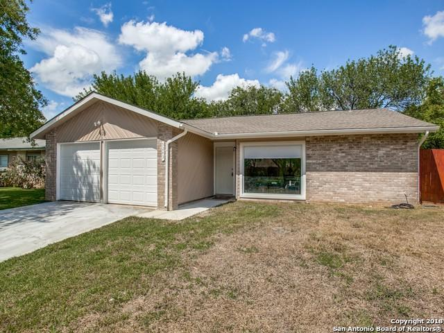 5243 Gordon Cooper Dr, Kirby, TX 78219 (MLS #1339602) :: Alexis Weigand Real Estate Group