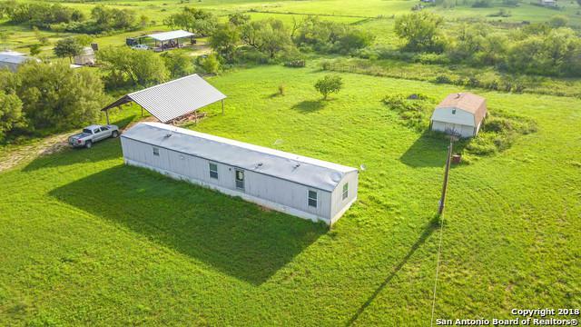 310 County Road 775, Devine, TX 78016 (MLS #1339690) :: Exquisite Properties, LLC