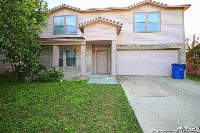 647 NW Crossing Dr, New Braunfels, TX 78130 (MLS #1339711) :: Alexis Weigand Real Estate Group