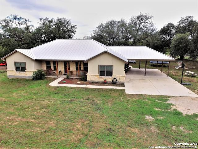 1240 Iuka Rd, Poteet, TX 78065 (MLS #1340296) :: Tom White Group