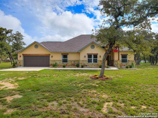 104 Palo Alto Dr, Floresville, TX 78114 (MLS #1341015) :: Magnolia Realty