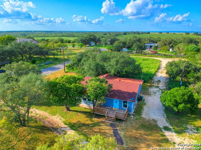 131 County Road 572, Castroville, TX 78009 (MLS #1341219) :: Magnolia Realty