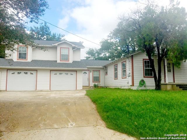 1706 3RD ST, Floresville, TX 78114 (MLS #1341406) :: Magnolia Realty