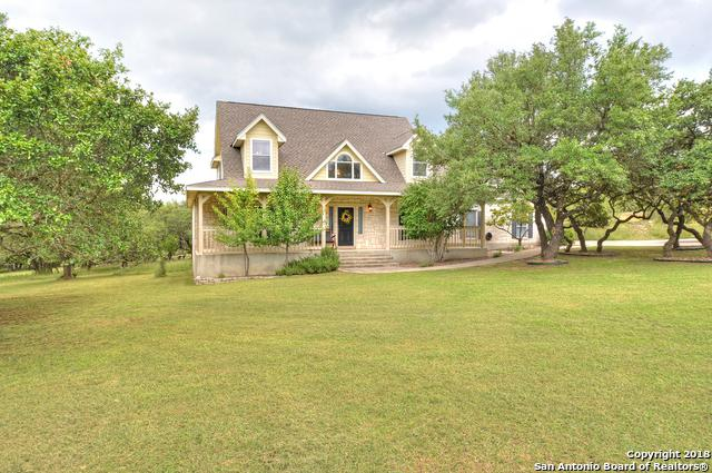 102 Kendall View Dr, Boerne, TX 78006 (MLS #1341661) :: The Suzanne Kuntz Real Estate Team