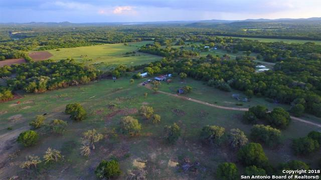 2752 English Crossing Rd, Bandera, TX 78003 (MLS #1341722) :: Tom White Group