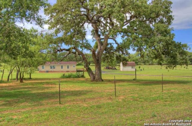 1555 S South View, Lytle, TX 78052 (MLS #1341962) :: Vivid Realty