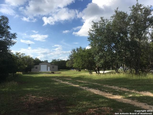 1652 River Trail Rd, Pipe Creek, TX 78063 (MLS #1342125) :: Alexis Weigand Real Estate Group