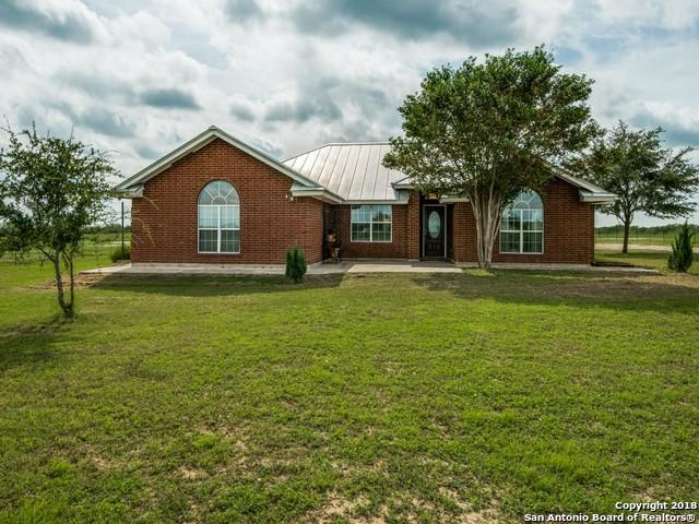 2335 Bluntzer Rd, Jourdanton, TX 78026 (MLS #1342382) :: Neal & Neal Team