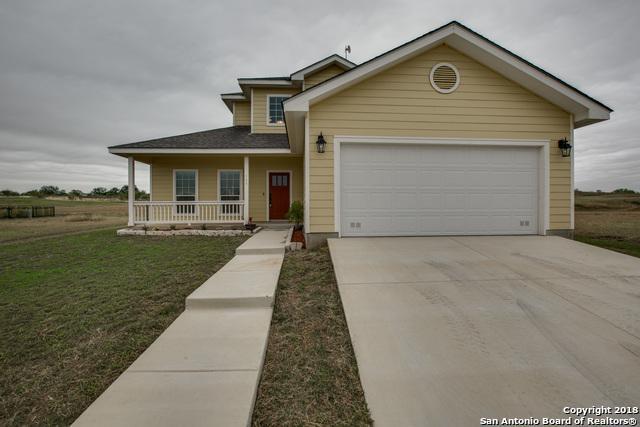 144 Lark Hill Rd, Floresville, TX 78114 (MLS #1343221) :: Exquisite Properties, LLC