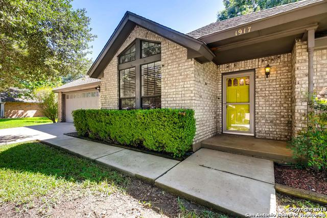 1917 Palace Dr, New Braunfels, TX 78130 (MLS #1343522) :: Exquisite Properties, LLC