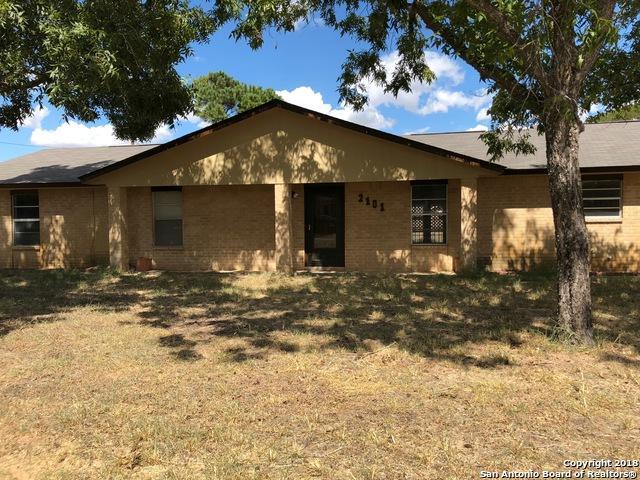 2101 Yosemite St, Pleasanton, TX 78064 (MLS #1343568) :: Exquisite Properties, LLC