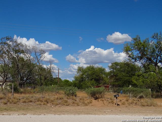 3410 County Road 304, Jourdanton, TX 78026 (MLS #1343905) :: Vivid Realty