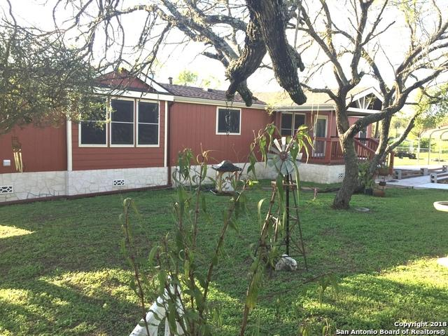 9915 County Road 5734, Castroville, TX 78009 (MLS #1344046) :: Magnolia Realty